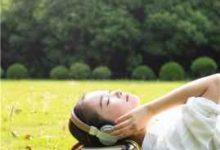 耳洞出血什么原因(耳洞一个月出血正常吗)-三思生活网