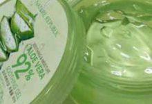 涂完芦荟胶要用水洗吗 化妆前涂了芦荟胶不洗容易爆痘-三思生活网