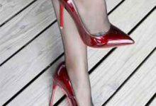穿丝袜高跟鞋滑怎么办-三思生活网