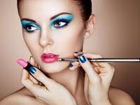 粉唇妆化妆步骤 去角质很重要-三思生活网