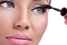 睫毛膏正确刷法步骤 睫毛膏干了怎么办-三思生活网