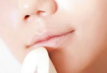 唇色深是什么原因 怎么改善-三思生活网