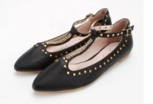 尖头鞋什么颜色好看 尖头鞋的搭配技巧-三思生活网