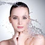 做水膜用什么水好 神仙水可以吗-三思生活网