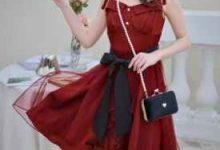 红色吊带裙配什么外套-三思生活网