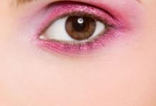 眼影可以当眉粉用吗 怎样防止眼影晕染-三思生活网