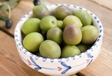 橄榄泡酒的正确泡法 橄榄泡酒的功效和作用-三思生活网