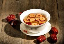 红枣桂圆泡水喝的功效 红枣桂圆泡水喝的好处有哪些-三思生活网