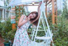 哪种碎花裙颜色显年轻 色彩丰富又独特-三思生活网