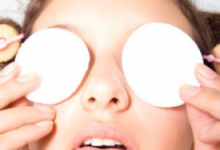 热毛巾敷眼睛的水温是多少 多久敷一次眼睛好-三思生活网