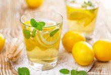 新鲜柠檬泡水的功效与作用 新鲜柠檬泡水的好处-三思生活网