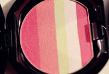 皮肤偏黄适合什么颜色的腮红 腮红与肤色的搭配-三思生活网