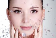 冷水洗脸好还是热水洗脸好   什么温度的水洗脸合适-三思生活网