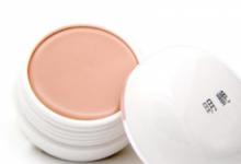 粉底液和粉底膏哪个好 粉底液和粉底膏有什么区别-三思生活网