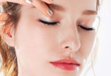 敷眼膜前需要涂眼霜吗 好处和坏处有哪些-三思生活网