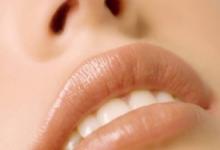 孕妇冬天嘴唇干裂怎么办 吃什么好-三思生活网