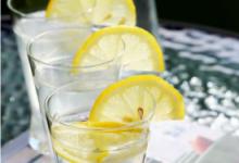 白天喝柠檬水皮肤会变黑吗   什么时候喝美白-三思生活网