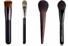 定妆粉有哪些颜色 定妆粉用刷子好还是用粉扑好-三思生活网