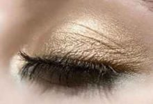 眼影色系怎么挑 眼影怎么画眼线-三思生活网