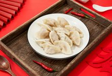 煮饺子用冷水还是热水 煮饺子究竟用热水还是冷水-三思生活网