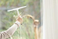 擦玻璃用什么擦最干净小妙招 玻璃怎么擦最干净-三思生活网