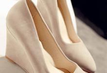 坡跟鞋怎么用束鞋带 和什么颜色百搭-三思生活网