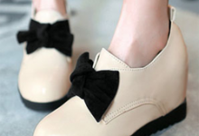 坡跟鞋的危害 怎么挑选怎么保养-三思生活网