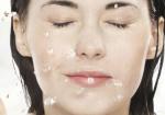 洗脸的正确方法 用热水好吗-三思生活网